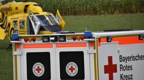 Die Frau wurde mit dem Rettungshubschrauber ins Krankenhaus geflogen.