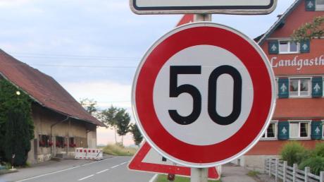 Tempo 50 soll über zwei Brücken bei Pfaffenhausen bald gelten.