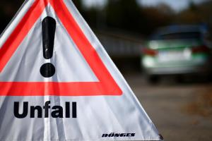 Fremdingen: Autofahrerinbei Unfall am Kopf verletzt