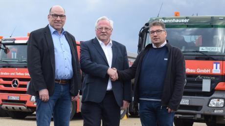 Arbeiten ab jetzt zusammen: Die Geschäftsführer (von links) Bernhard Raab, Johannes Käser und Harald Frisch.