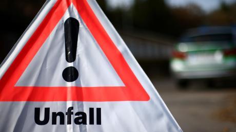 Zwischen Trochelfingen und Bopfingen hat ein Autofahrer die Kontrolle über sein Fahrzeug verloren.