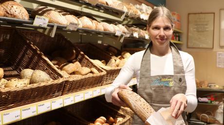 Ingrid Gruber hat die Bäckerei Linse mit vier Filialen in der Region übernommen. Die Ehringerin möchte wieder mehr traditionelle Rezepte mit natürlichen und regionalen Zutaten ausprobieren.