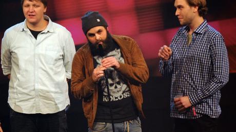 """Die Band Frittenbude freut sich 2012 in Bochumbei der Verleihung der 1Live Krone 2012 über die Auszeichnung in der Kategorie """"Bester Plan B-Act""""."""