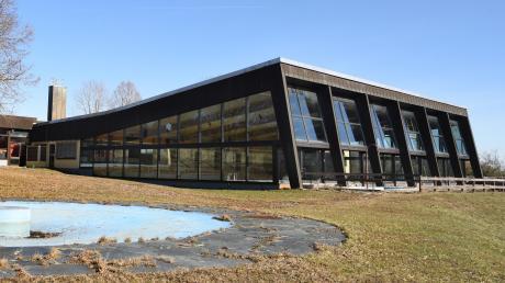 Für die Wiedereröffnung des Schwimmbads Almarin hoffen die Beteiligten auf eine Förderung.