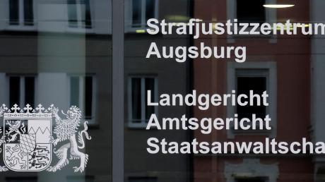 Am Montag erhobt die Staatsanwaltschaft Anklage gegen einen Landwirt aus dem Ries. Jetzt äußerten sich die Verteidiger ausführlicher.