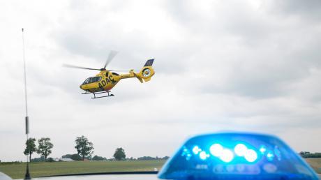 Auf der A8 musste ein Rettungshubschrauber nach einem Unfall bei Sulzemoos landen.