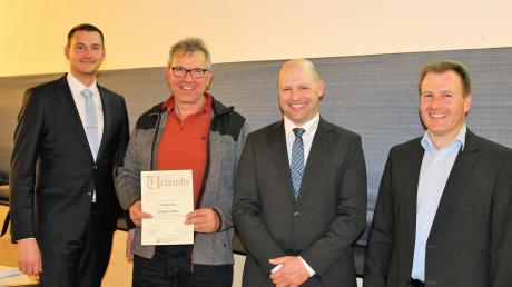 Bei der dritten Generalversammlung der Qualitätstrocknung waren Simon Burkhard (von links), der Geehrte Christian Murr, Matthias Kleemann und Christian Scheuerlein.