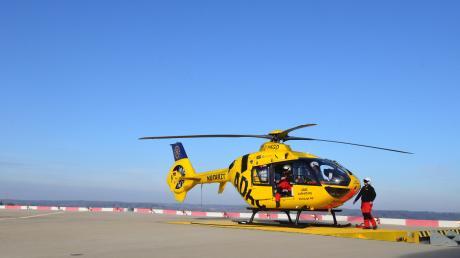 Ein Hubschrauber brachte den 20-Jährigen ins Krankenhaus.