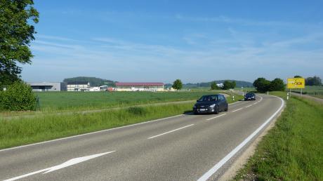 In Reimlingen soll zwischen bestehendem Baugebiet, Kreisel, Umgehungsstraße und Baumwiese noch ein Stück Gewerbegebiet entstehen.