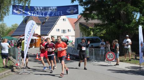 Rund 50 Teilnehmer machten bei einem Cross-Biathlon beim ersten Auhausener Gesundheitstag mit. Sie konnten zwischen Strecken mit sieben und zwölf Kilometern wählen.