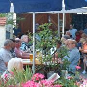 Am Wochenende ist in den Oettinger Wirtshäusern und im Gruftgarten viel geboten. (Archivfoto)
