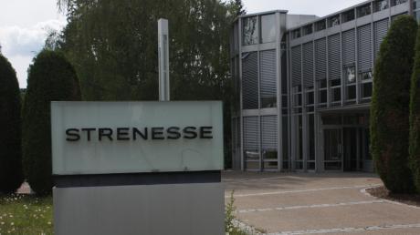 Die Strenesse New GmbH hat beim Amtsgericht Nördlingen Insolvenz in Eigenverantwortung beantragt. Dem wurde stattgegeben. Die Mitarbeiter wurden in einer Versammlung informiert.