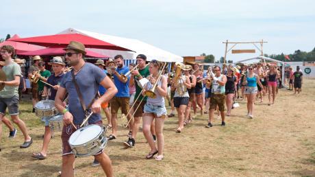 Blasmusik-Fans feiern 2019 beim Blasius-Festival. Ob es dieses Jahr stattfindet, ist bislang ungewiss.