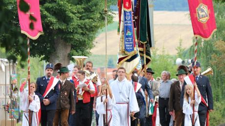 Jedes Jahr am letzten Juli-Wochenende feiern die Amerdinger das Annafest, unter anderem mit einer Prozession.