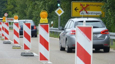 Die B29 zum Ehringer Kreisel ist seit gestern wegen einer Baustelle dicht. Dafür wurde die Sperrung am Saubrunnen wieder aufgehoben.