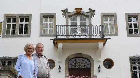 Ulla Hennerfeind und Diethard Pfeiffer engagieren sich seit Jahren für das Reimlinger Schloss.