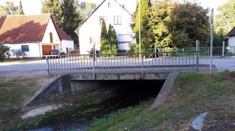 Die Gänsbachbrücke in Megesheim ist in die Jahre gekommen. Im kommenden Jahr wird sie grundlegend saniert.