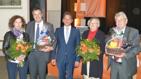 Das 50-jährige Bestehen feierte das Deininger Unternehmen Engelhardt (von links: Birgit und Dieter Engelhardt, Bürgermeister Wilhelm Rehklau, Resi und Josef Engelhardt.