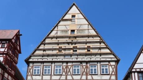 Die Stadt rechnet damit, dass im besten Fall im Jahr 2022 mit der Sanierung der Krone begonnen werden kann. 2020 soll der Bauantrag erfolgen.