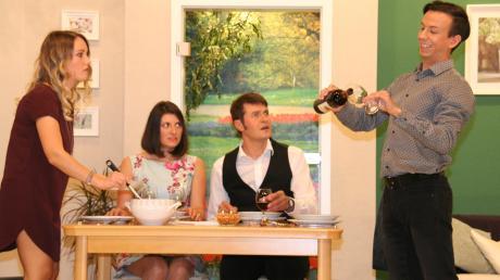 Viel Applaus gab es für die Maihinger Theaterspieler (von links): Eva-Maria Taglieber, Isabell Stimpfle, Alois Taglieber und Dominik Klaus.