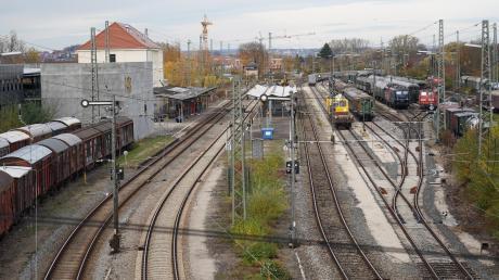 Die Bahnsteige in Nördlingen werden verkürzt. Dadurch können dort keine Fernzüge mehr halten.