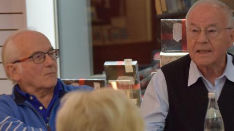 Johannes Schrenk (links) und Friedrich Held hielten in der Buchhandlung Osiander eine Lesung.
