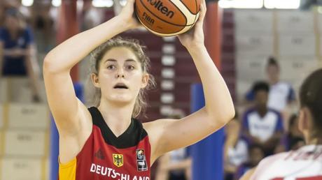 Luisa Geiselsöder spielt heute Abend in Nördlingen erstmals in der deutschen A-Nationalmannschaft.