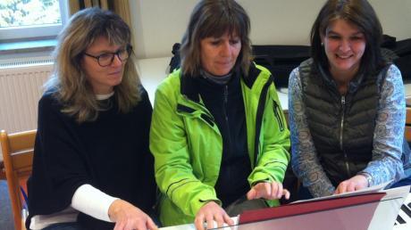 Beim Musikerinnentreff spielten drei Frauen zusammen.
