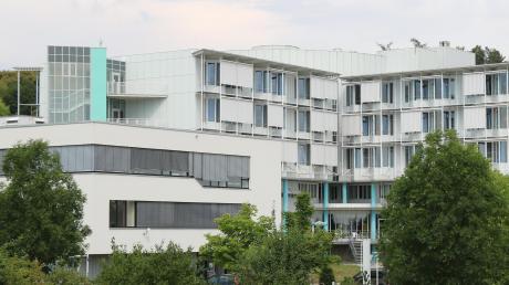 Eine 19-Jährige muss auf der Intensivstation des Nördlinger Krankenhauses wegen einer Alkoholvergiftung behandelt werden.