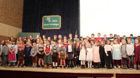 50 Jahre Schule in Fremdingen wurde groß und bunt in der Turnhalle gefeiert.