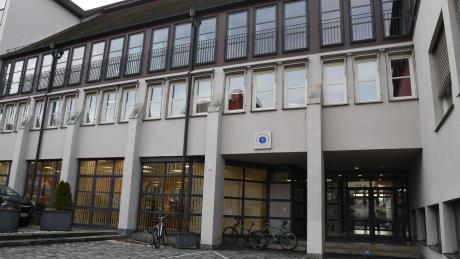 Einem Jugendlichen werden Fälle von Cybermobbing an der Nördlinger Realschule Maria Stern vorgeworfen.