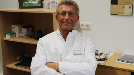 Dr. Rainer Mainka (65) geht nach 34 Jahren im Landratsamt in den Ruhestand. Kurz vor den Weihnachtsfeiertagen hatte er seinen letzten Arbeitstag im Gesundheitsamt in Nördlingen.