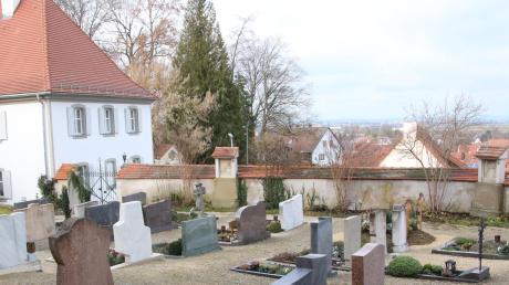 In Reimlingen steigen die Friedhofsgebühren. Ein einfaches, durchschnittliches Grab kostet künftig für 20 Jahre rund 600 Euro.