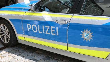 Eine Vollsperrung der Autobahn zwischen Adelzhausen und Odelzhausen war am Samstagmittag nach einem schweren Unfall auf der Autobahn nötig.