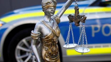 Ein 57-Jähriger ist in Nördlingen wegen übler Nachrede verurteilt worden. Er hatte in einer E-Mail einen Beamten der Stadtverwaltung beleidigt.