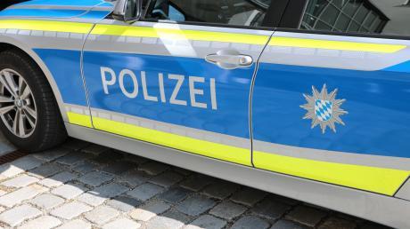 Unfall in Friedberg wegen der verloren gegangenen Ladung eines Lkw.