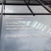 Der Prozess gegen einen Jäger aus Königsbrunn, der zwei Hunde erschossen hat, geht voraussichtlich im März in die zweite Runde.