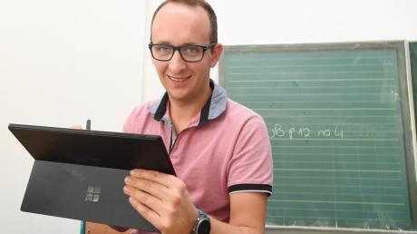 Innovative Lehrer arbeiten ganz selbstverständlich mit Tablet und Smartphone.