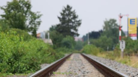 Die Strecke wird für Güterzüge reaktiviert.