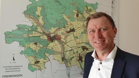 Bürgermeister Frank Merkt ist der einzige Kandidat für Fremdingen. In der neuen Wahlperiode muss der Gemeinderat einen Grundsatzbeschluss zu Freiflächen-Photovoltaikanlagen treffen.