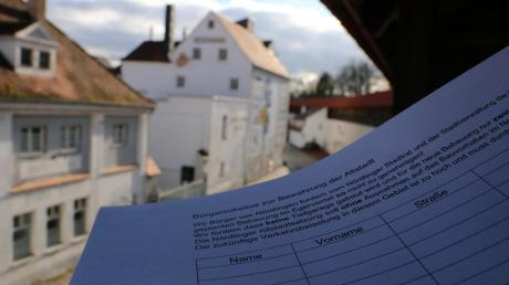 Bürger sammeln weiter Unterschriften gegen das Projekt.