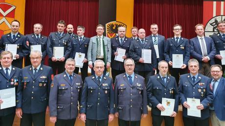 Die Kommandanten der Feuerwehren im Landkreis Donau-Ries und ihre Stellvertreter haben bei einer Versammlung Bilanz gezogen.