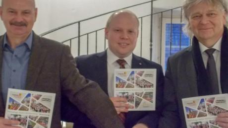 Sie müssen jetzt gemeinsam anpacken, um die baden-württembergischen Heimattage in vier Jahren zum Erfolg zu führen: Die Bürgermeister Alfons Jakl (Dischingen), Thomas Häfele (Neresheim) und Norbert Bereska (Nattheim).