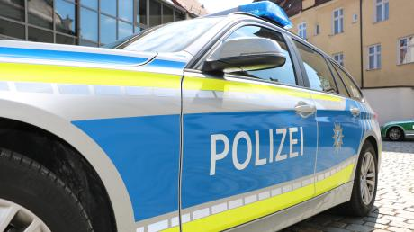 Nicht nur, dass der junge Mann in Schrobenhausen unter Drogeneinfluss mit dem Auto unterwegs war, er verstieß auch noch gegen die Corona-Ausgangsbeschränkungen.