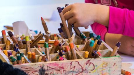 Die katholische Pfarrgemeinde ruft Kinder auf, für Senioren zu malen.