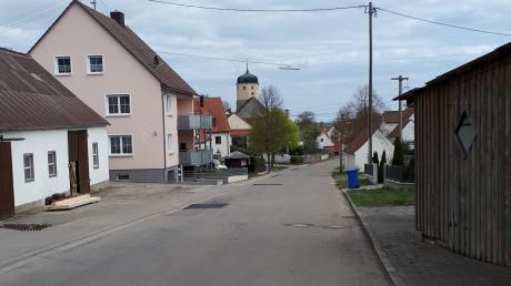 Als erster Baustein der Dorferneuerung in Minderoffingen soll in diesem Jahr der Kanal in der Dorfstraße grundlegend saniert werden. Im Gemeinderat wurden die entsprechenden Planungen vorgestellt.