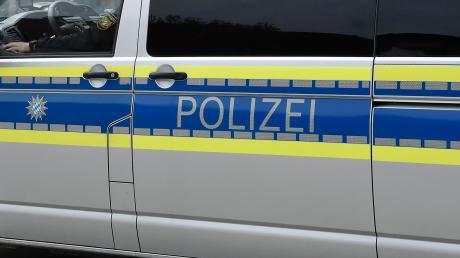 Die Polizei musste am Dienstagabend zu einem schweren Unfall bei Hürnheim ausrücken.