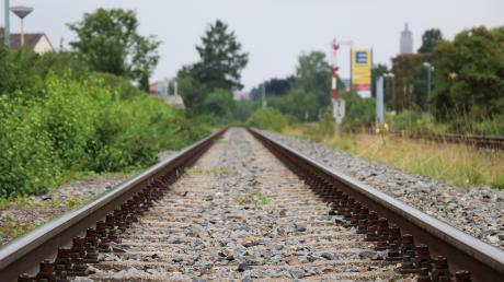 Eine Analyse hat ergeben, dass die mögliche Anzahl der Fahrgäste der Hesselbergbahn die wichtige Schwelle von 1000 Personen überschritten hat. Damit hat sich der Ausschuss für Wirtschaft, Verkehr und Technologie des Kreistags beschäftigt.