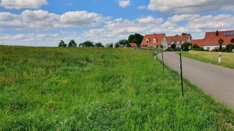 Die Erschließung des Baugebiets Niederaltheim-West ist die größte Investition der Gemeinde Hohenaltheim. Sieben von insgesamt elf geplanten Bauplätzen werden dort erschlossen.