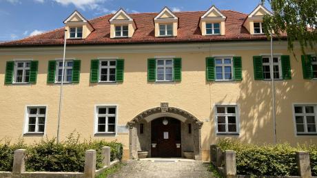 Das Amt für Ernährung, Landwirtschaft und Forsten in Nördlingen verliert seine Eigenständigkeit und wird mit dem AELF Wertingen fusionieren.